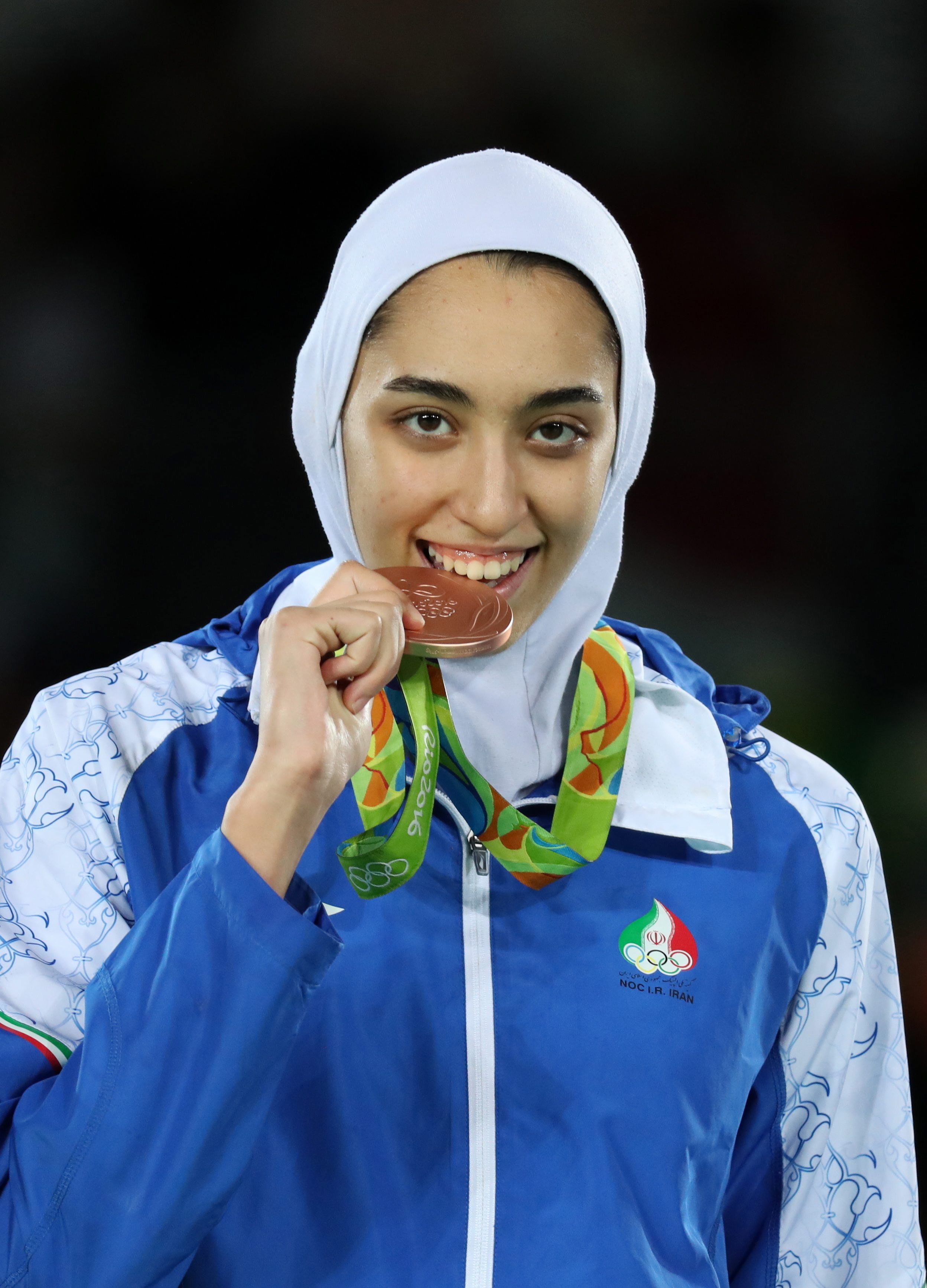 Tag des Triumphs: Am 18. August gewann Kimia Alizadeh als erste Iranerin eine Medaille bei den Olympischen Spielen in Rio de Janeiro. Hier holte die 18-Jaehrige in der Gewichtsklasse bis 57 Kilogramm Bronze im Taekwondo.