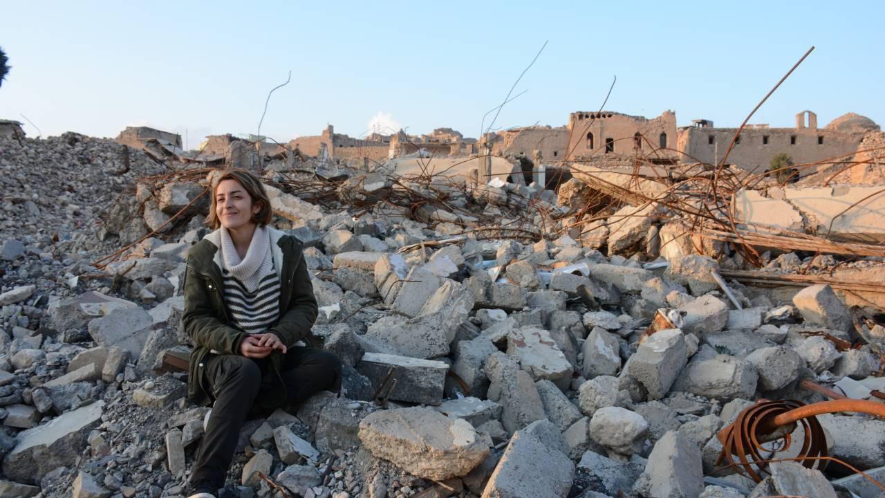 Ein Berliner Muslim reist in die ehemaligen IS-Gebiete im Nordirak, um einer jesidischen Freundin ihren größten Wunsch zu erfüllen und um ein Zeichen gegen religiösen Hass zu setzen. Beinahe wäre er an sich selbst gescheitert.