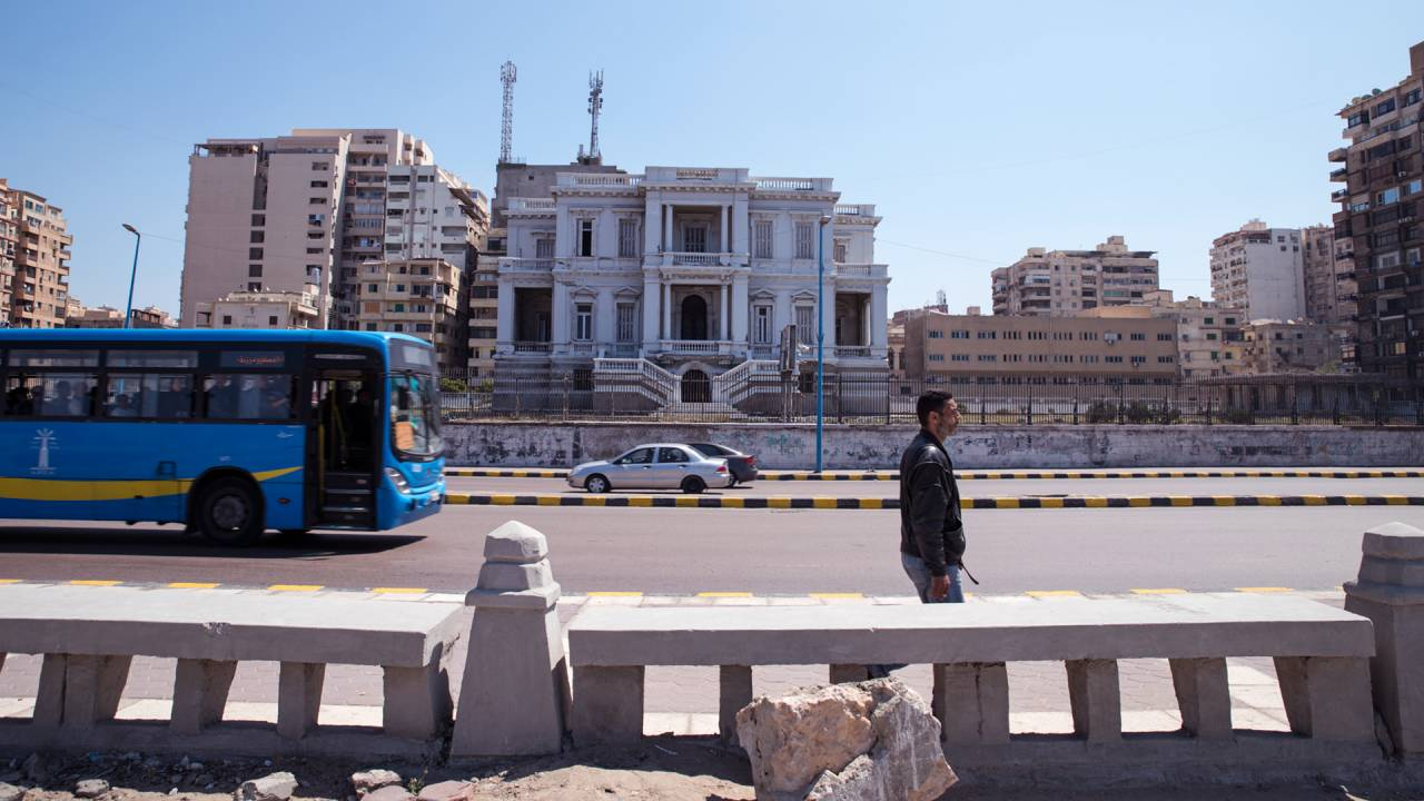 Der Baugrund an der Promenadenstraße von Alexandria ist begehrt. Immobilienmakler nehmen kaum Rücksicht auf das architektonische Erbe der Stadt.