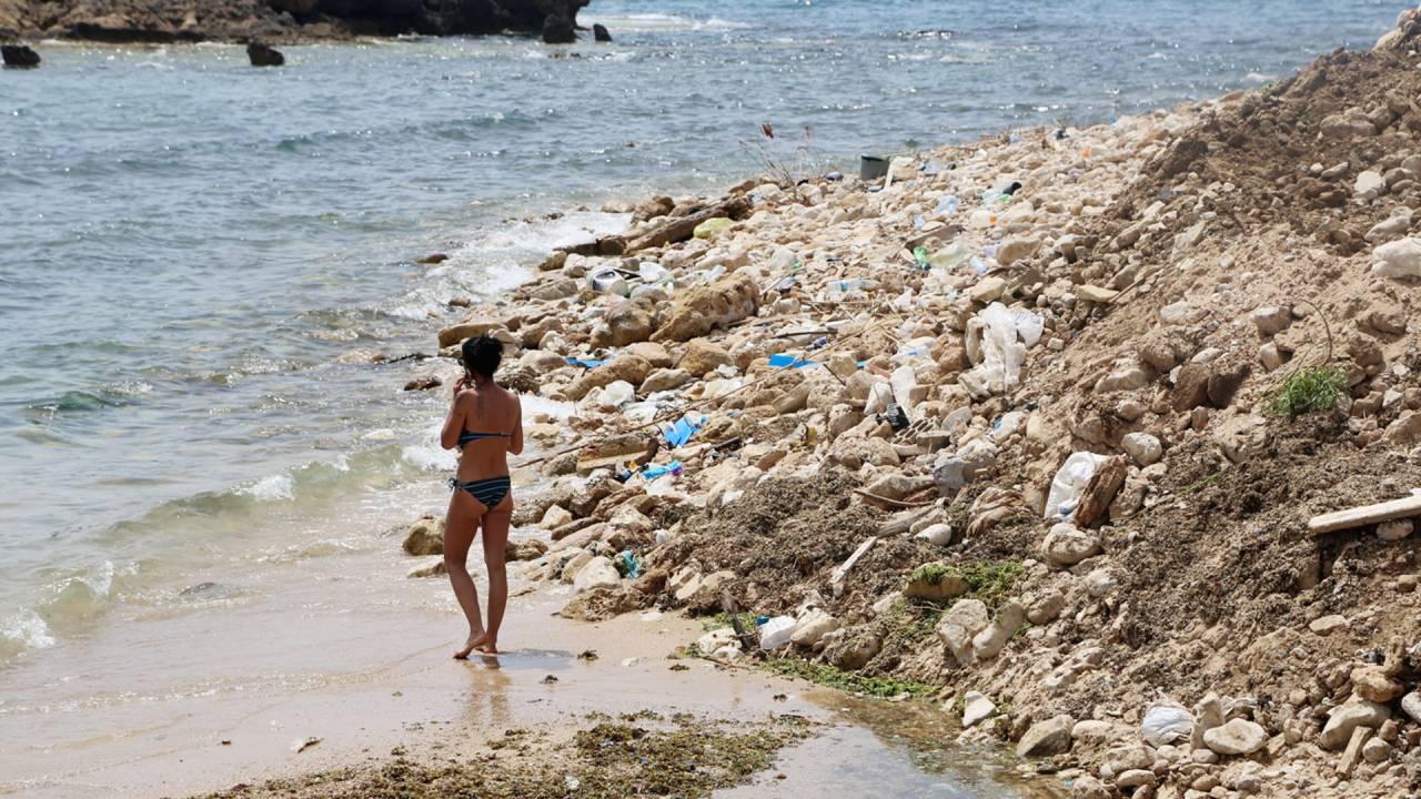 Vermüllter Küstenabschnitt im Libanon