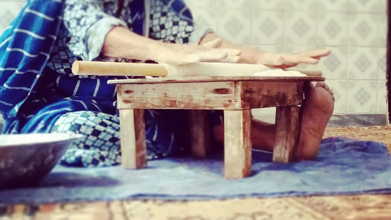 Bread-kneading tradition, passed on from the grandmother
