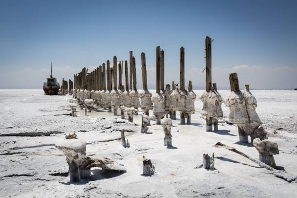 Not only local fisherman suffer from the predrying of Lake Urmia: Salt and dust also severely affect regional farms and their farmland.