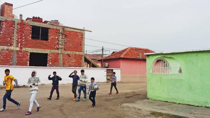 Youth near the Ebu Bekir mosque in Pazardjik.