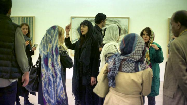 صور الحضور في المعرض