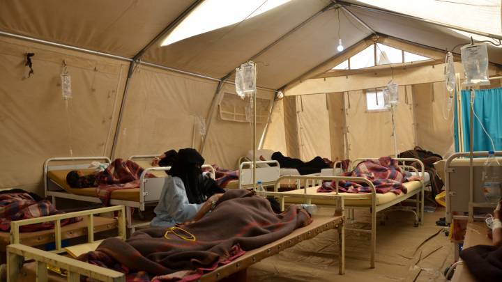 The female inpatient department at MSF cholera treatment center in Khamer, north of Sana'a in west Yemen.
