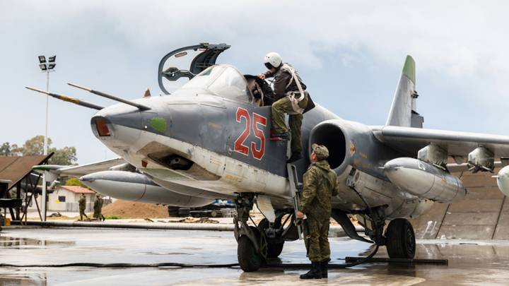 A Russian Su-25 crew at the Hmeymim airbase in the Latakia governorate in western Syria.
