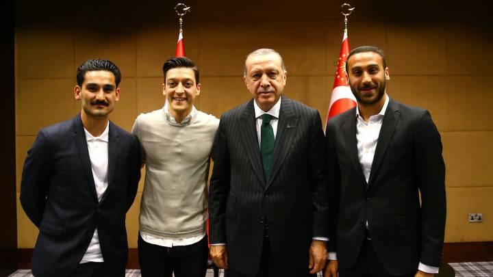 Debatte um Mesut Özil und das Erdoğan-Treffen