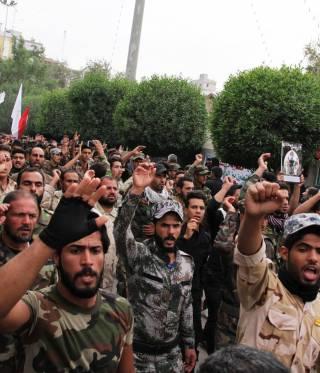 افراد من قوى الحشد الشعبي في مسيرة في العراق, نوفمبر ٢٠١٦