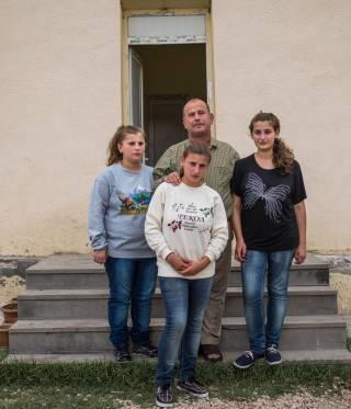 Hayk Khatchataryan and his daughters